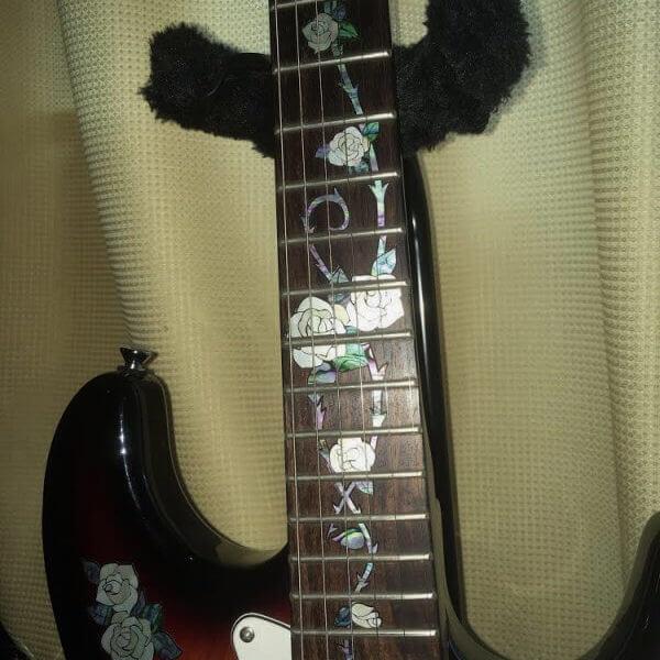 Купить виниловые наклейки инлеи на гриф гитары