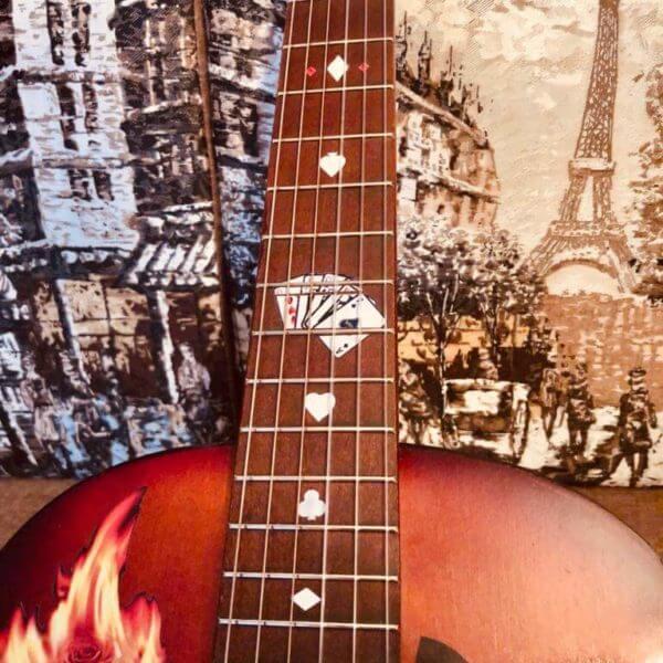 Купить наклейки в виде игральных карт для гитары