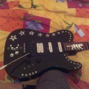 Наклейки в виде звезд на гитару