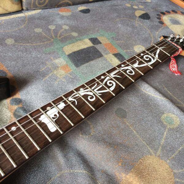 Майкл Пэджет наклейки на гриф гитары