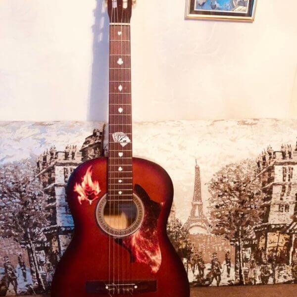 Купить виниловые наклейки для гитары в виде розы с огнем