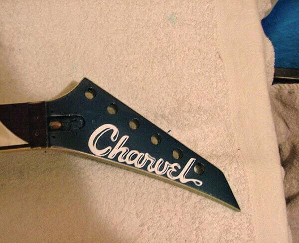 Магазин деколей для гитары charvel-toothpaste