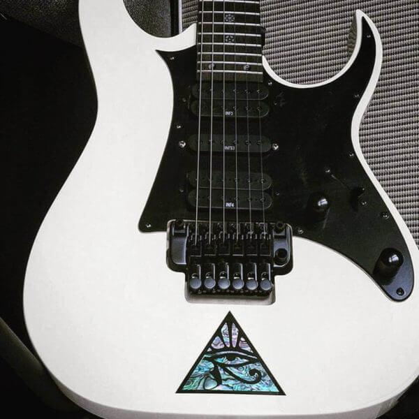 Красивые наклейки для гитары купить
