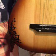 Купить виниловую наклейку для гитары черного цвета