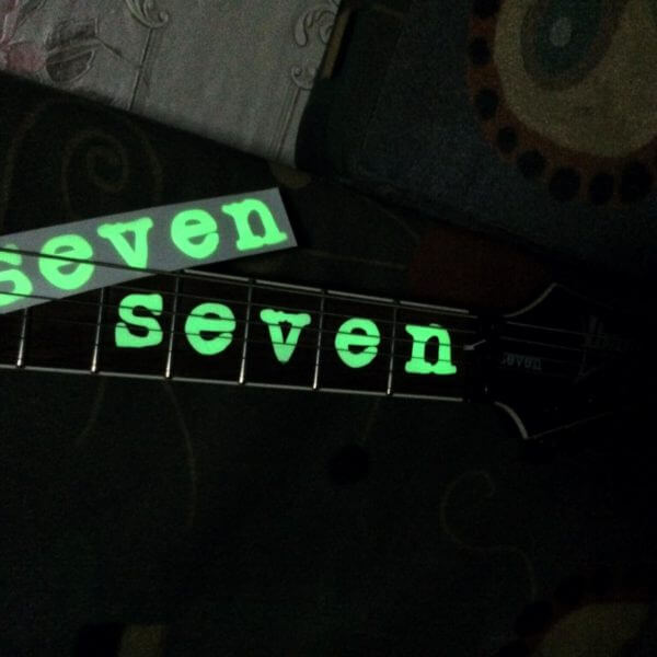 Комплект светящихся наклеек на гриф seven