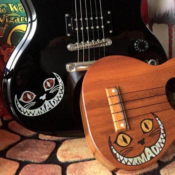 Чеширский кот на гитару. Купить виниловые наклейки