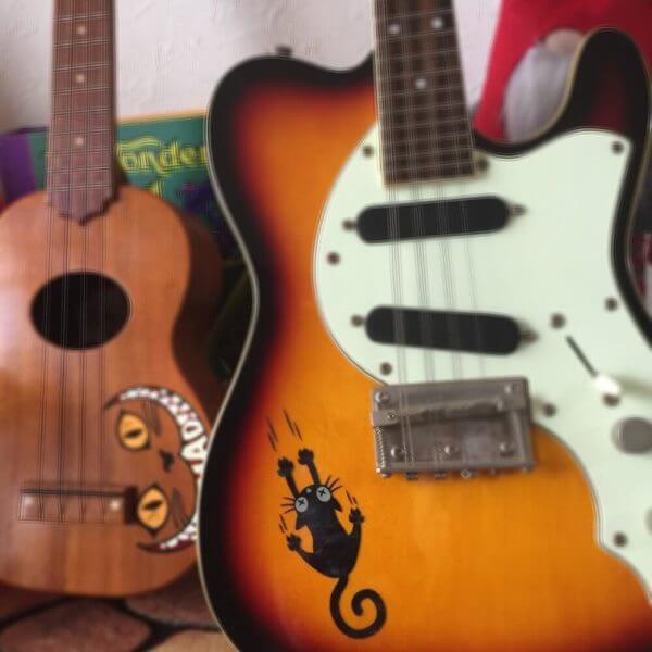 Котики на гитаре наклейки