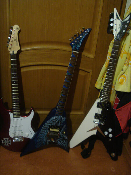 Купить виниловые наклейки на гитару