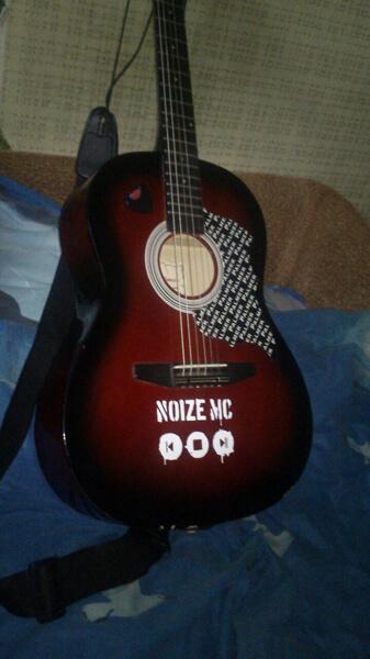 Наклейка noize mc на гитару