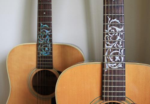 Как недорого украсить гитару своими руками